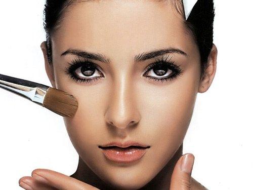 Trang điểm giúp khắc phục nhược điểm mũi thấp
