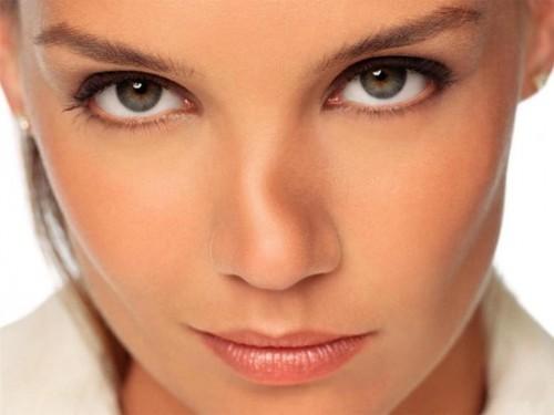 Mũi sau nâng bị nghiêng khiến nhiều người lo lắng liệu có chính sửa được không